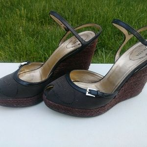 Women Prada Shoes...